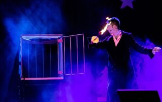 illusionist-cage-stage-show
