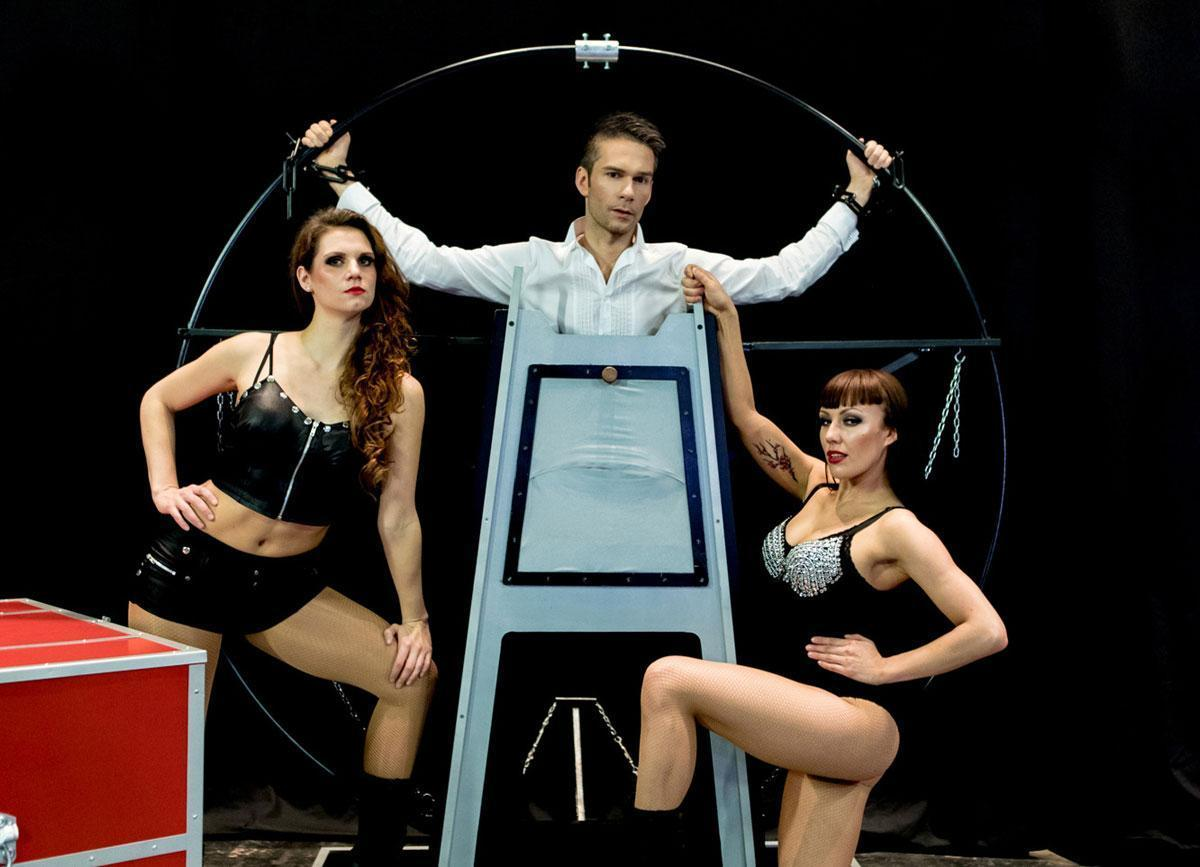 willi-auerbach-magician-show